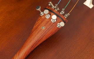 ce210 violoncelo eagle ce210 detalhe 05